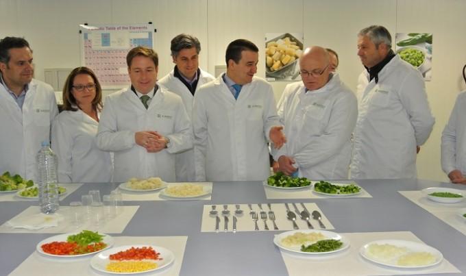 El consejero de Agricultura ha visitado las instalaciones de la empresa 'Albafrost' en Albacete 2