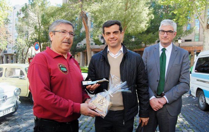 Foto.Obsequios del Ayuntamiento para las autoridades de Ceuta