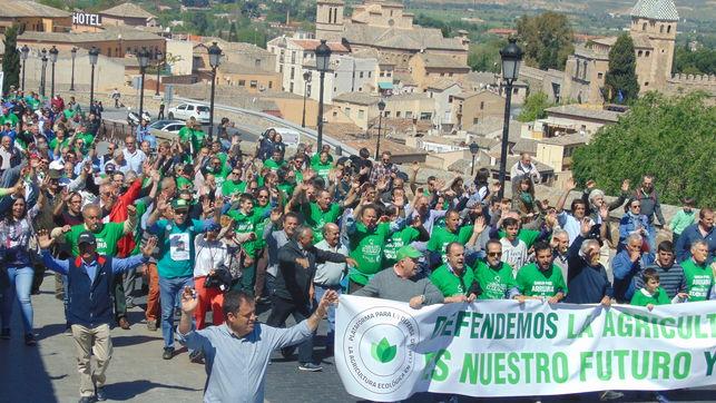 Manifestacion-Toledo-defensa-agricultura-ecologica_EDIIMA20160430_0176_19