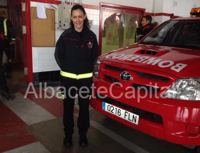 mujer bombera 1 (1)