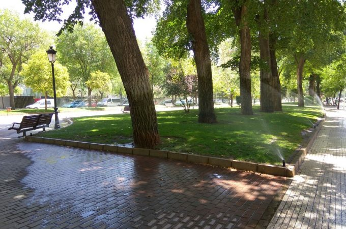 parques, aspersores, agua (1)