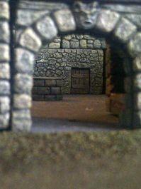Burgtor und Blick auf die Wachenquartiere
