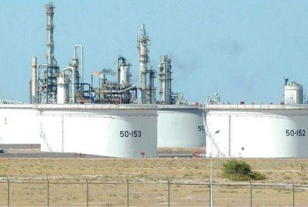 السلطنة قدرت ميزانية عام 2013 على أساس سعر 85 لبرميل النفط