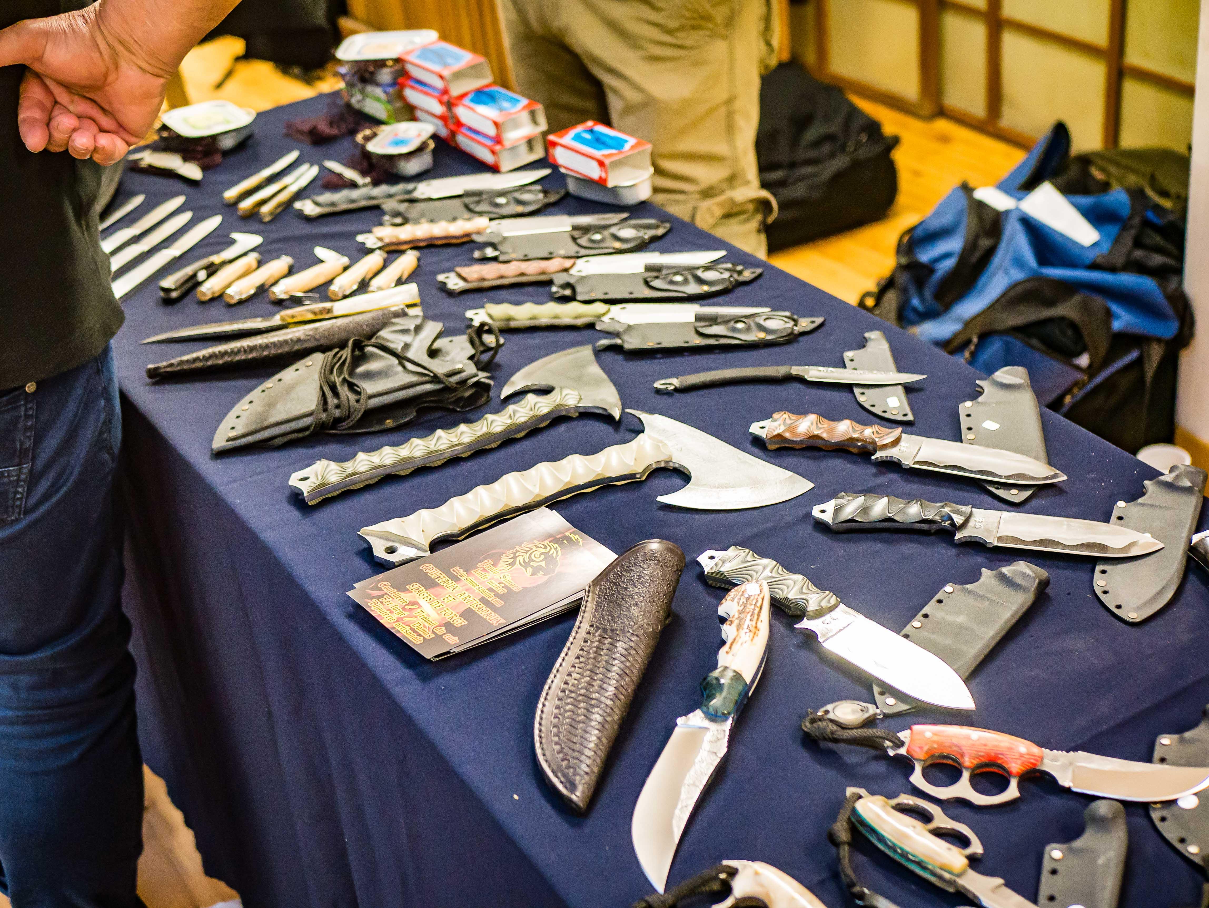 L'expo couteaux cap'taine Perrin : des lames à Paris