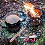 Préparer du café dans la nature