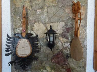 Deux instruments traditionnels typiques de Puka.