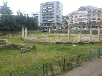 Visit to Durres pasta romain ruins at Gropa (1)