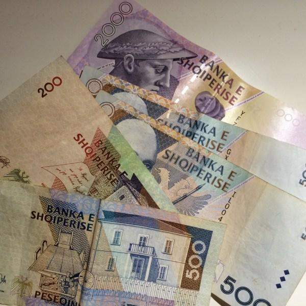 Albanisches Geld & Bezahlen