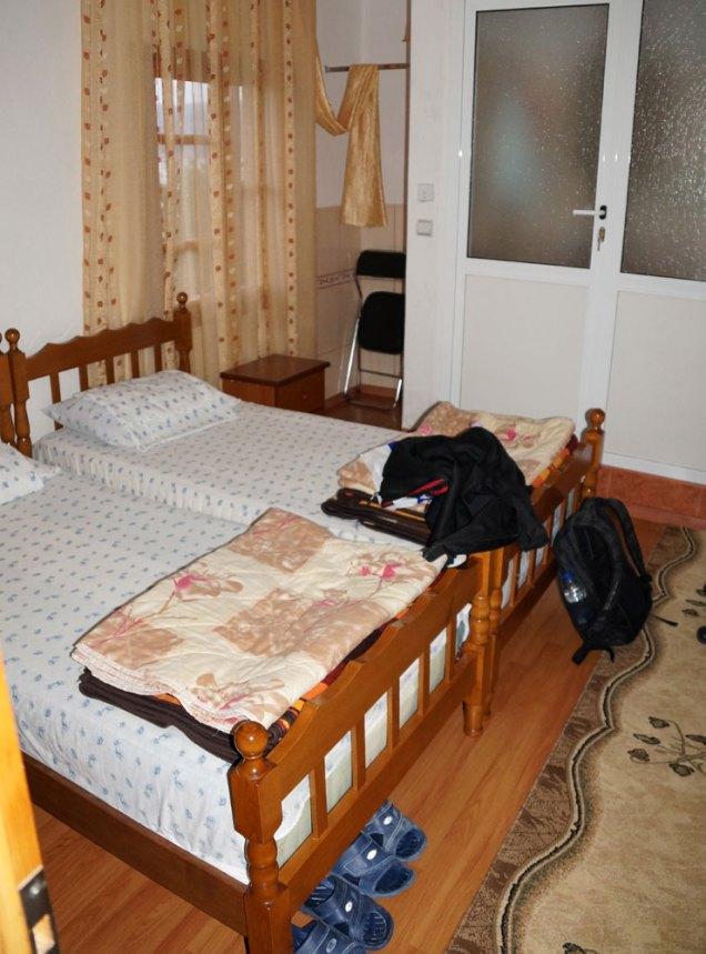 Einfaches Hotelzimmer am Prespasee