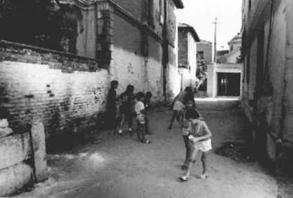 À Tirana Photographies de l'Albanie 1994 © Christophe Cardinaux