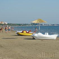 Am Strand (Golem)