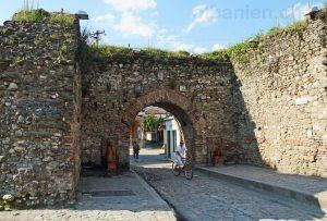 Elbasan in Albanien: Velofahrer