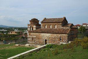 Perondi: St. Niklaus-Kirche (Kuçova, Albanien)