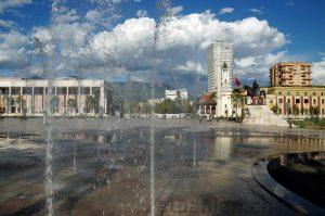 Zentrum von Tirana: Skanderbegplatz
