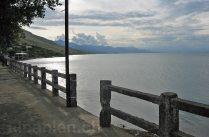 Ufer des Shkodrasees in Shiroka