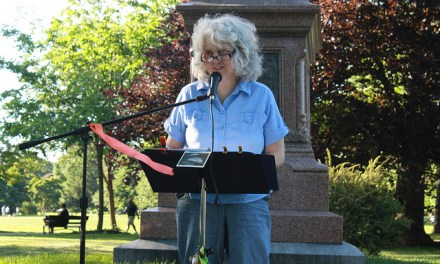 Sunday Four Poetry Open Mic Featuring Lori Desrosiers