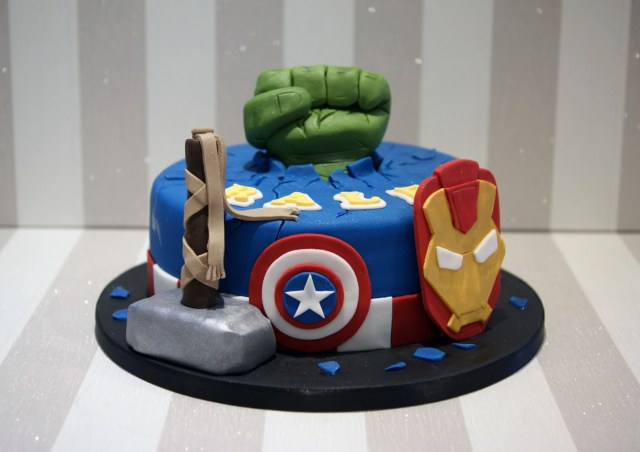 Avengers Birthday Cakes Avengers Themed Birthday Cake Bakealous