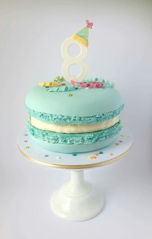 Birthday Cake Macarons For A Macarons Lover This Is So Cute Cakes Pinterest Cake