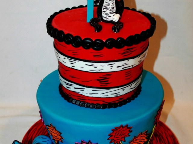 Cat In The Hat Birthday Cake The Cat In The Hat First Birthday Cake Cakecentral