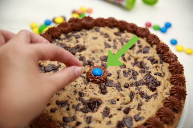 Chocolate Chip Cookie Birthday Cake How To Make A Chocolate Chip Cookie Birthday Cake 14 Steps