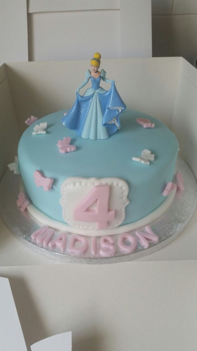 Cinderella Birthday Cakes 9 Princess Cinderella Cakes With Decorations Photo Princess