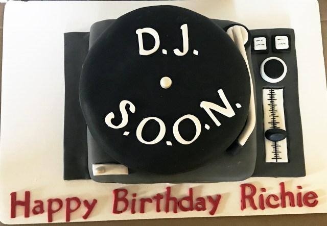 Dj Birthday Cake Dj Cake Story Kay Cake Designs
