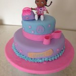 Doc Mcstuffin Birthday Cake Doc Mcstuffins Birthday Cake Evie 3rd Birthday Pinterest