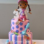 Doc Mcstuffins Birthday Cake Doc Mcstuffins Cake Love This Cake I Might Have To Make One