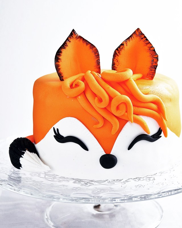 Fox Birthday Cake Fox Cake Fox Pinterest Cake Fox Cake And Birthday Cake