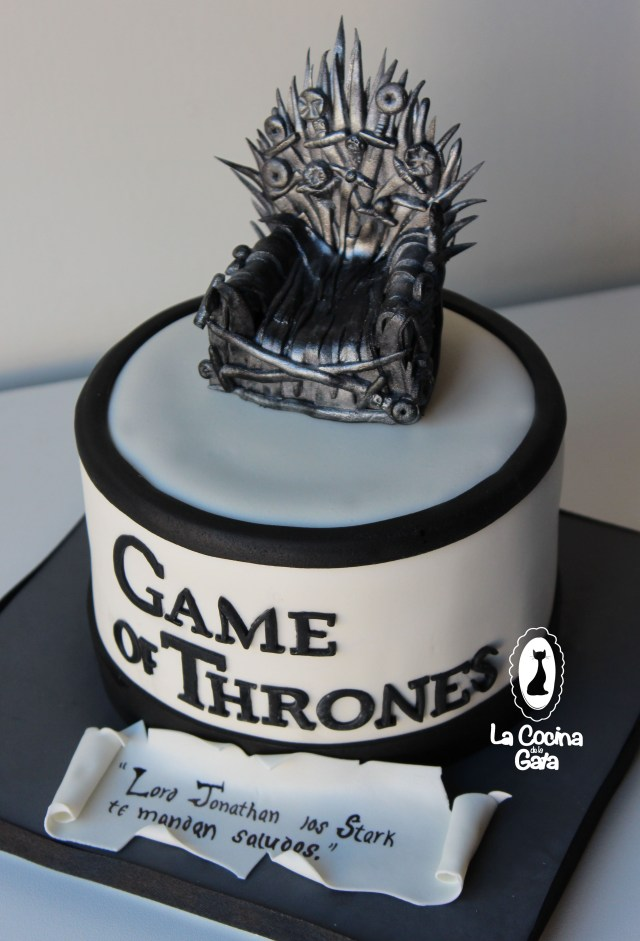 Game Of Thrones Birthday Cake Tarta Game Of Trones Bizcocho De Chocolate Relleno De Swissmeringue