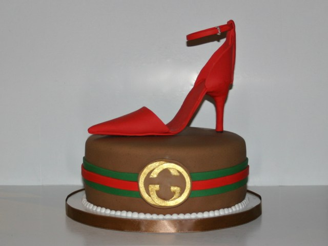 Gucci Birthday Cake Gucci Birthday Cake Gucci Logo In 23k Edible Gold Leaf With