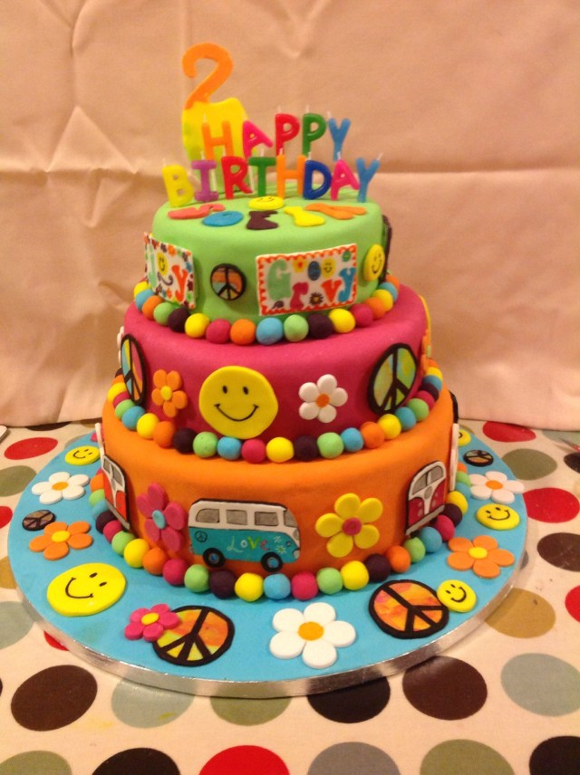 Hippie Birthday Cake Hippyflower Power Peace Birthday Cake Birthday Party Pinterest