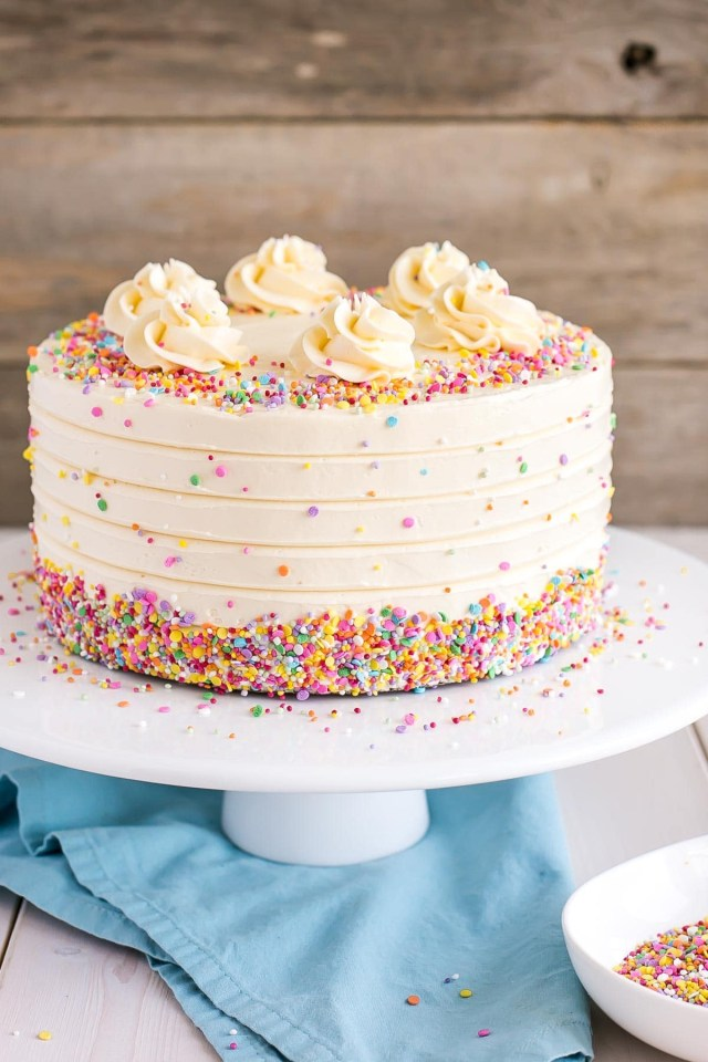 How To Make Birthday Cake Vanilla Cake With Vanilla Buttercream Liv For Cake