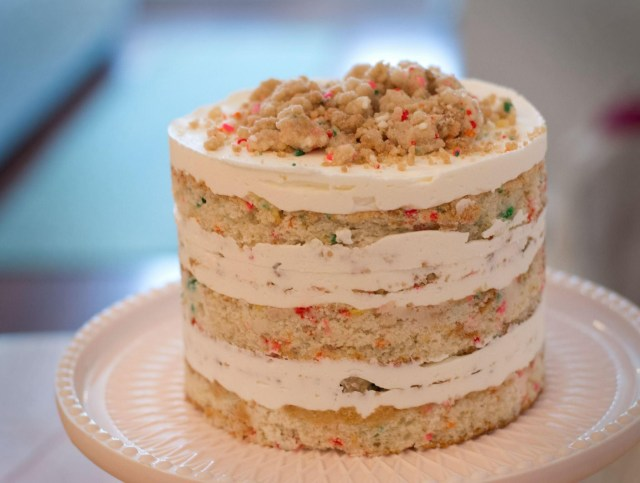 Milk Bar Birthday Cake My First Attempt At The Momofuku Milk Bar Birthday Cake Baking