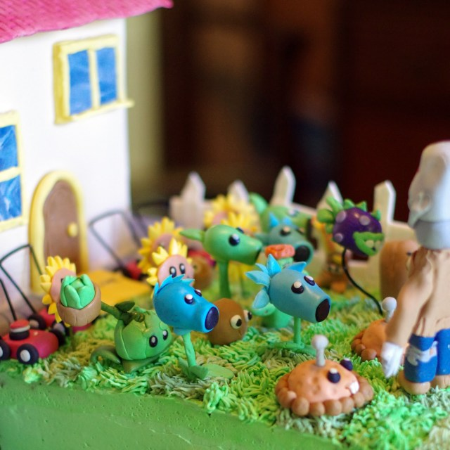 Plants Vs Zombies Birthday Cake Within The Kitchen Plants Vs Zombies Birthday Party