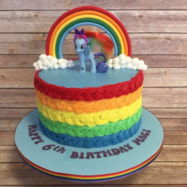 Rainbow Dash Birthday Cake Rainbow Dash My Little Pony Cake With Rainbow Sponge And Rainbow