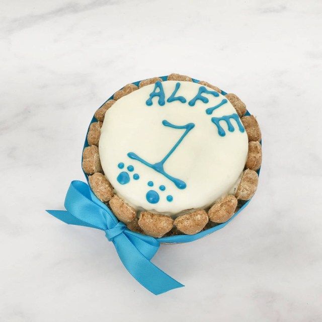 Round Birthday Cakes Round Dog Birthday Cake Arton Co Notonthehighstreet