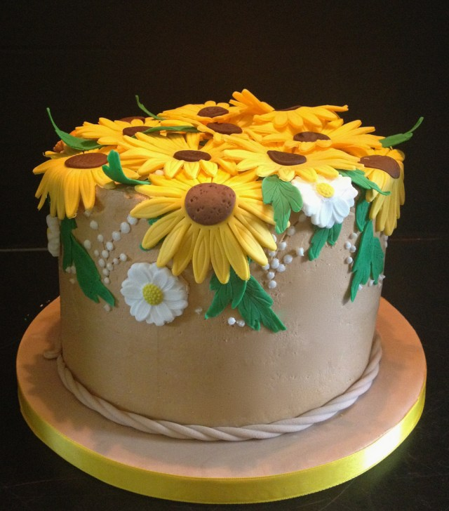 Sunflower Birthday Cake Sunflower Birthday Cake Buttercream Iced With Fondant Sunf Flickr
