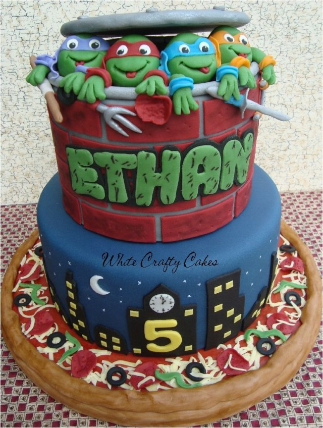 Teenage Mutant Ninja Turtles Birthday Cake This Is Awesome Gotta Try This For Joshs Bday In December Wow Im
