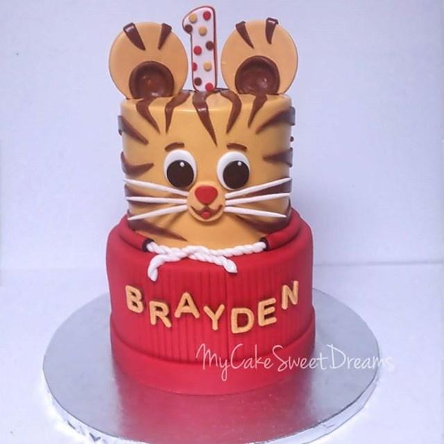 Tiger Birthday Cake Daniel Tiger 1st Birthday Cake Cakecentral