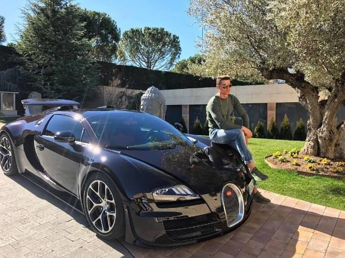 Kush tjetër pos tij: Ronaldo porosit Bugattin 11 milionësh (FOTO)