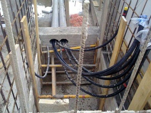 Canalizaciones de geotermia ocualtas en cimentación