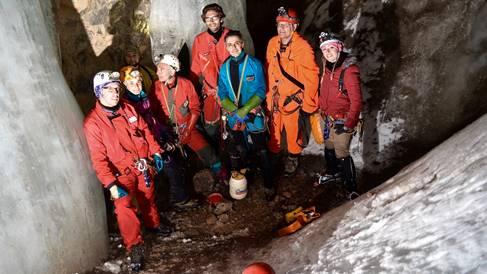 Report VIII International Workshop on Ice Caves