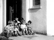 13_die_ersten_kinderdorfkinder_ziehen_ein