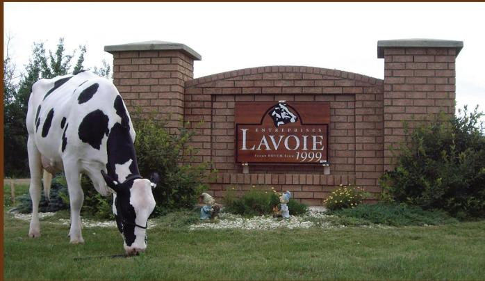 ELI99 farm sign + cow