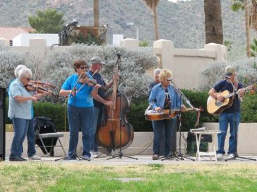 Fiddlers' concert at the Plaza