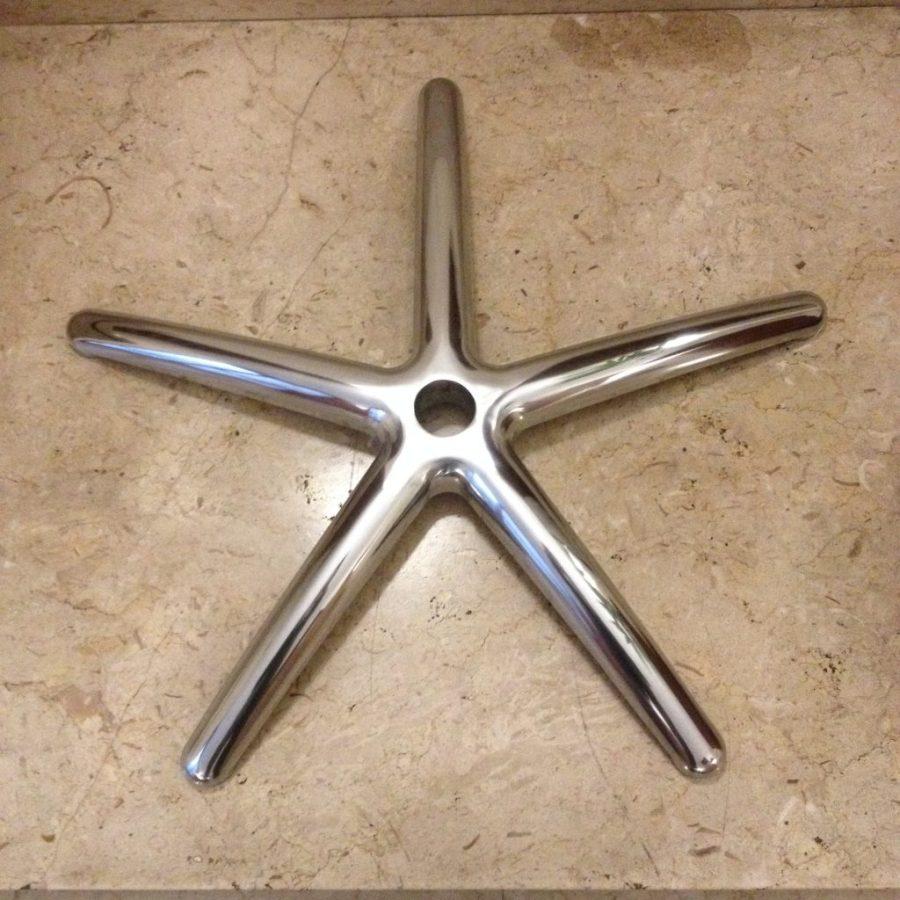 Base piatta e stondata a 5 razze in alluminio lucido