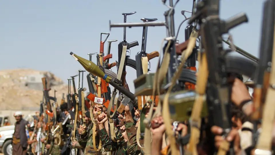 Photo of مليشيات الحوثي ترتكب انتهاكات ترقى إلى جرائم الحرب