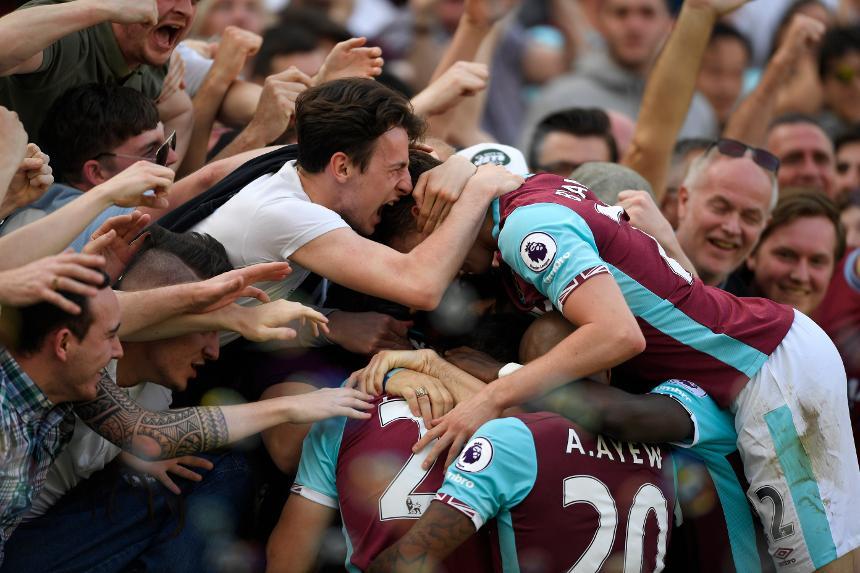 عودة الجماهير إلى ملاعب الدوري الإنجليزي