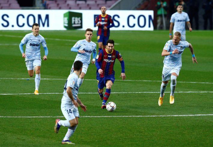برشلونة يتعادل مع فالنسيا 2-2